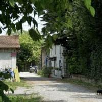 Parma, morto l'uomo precipitato dal tetto dopo il tentato femminicidio della