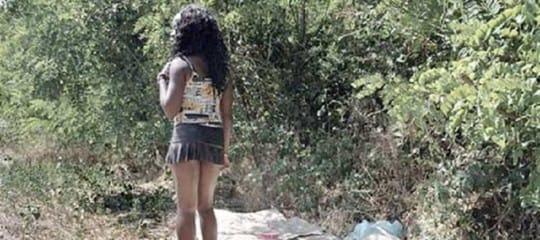 Parma, vittima di tratta costretta a prostituirsi: il terribile racconto di una minorenne