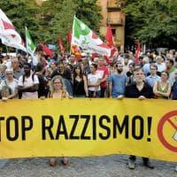"""""""No al razzismo"""": manifestazione a Parma in piazzale Picelli - Foto"""
