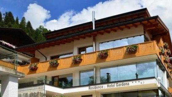 Val Gardena, parmigiana uccisa in albergo: fermato il marito