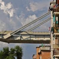 Genova, lutto nazionale: a Parma raccoglimento in piazza Garibaldi