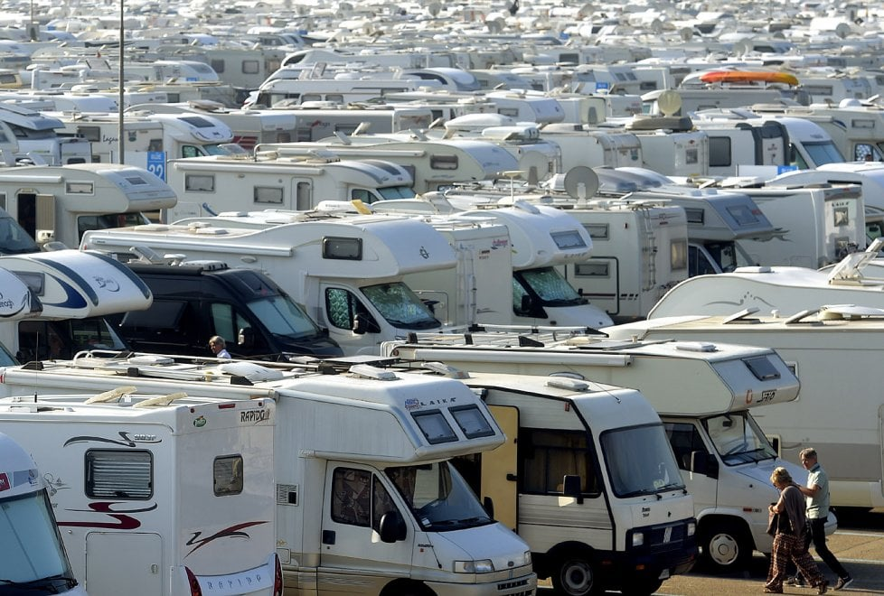 A Parma l'invasione dei camper - Foto