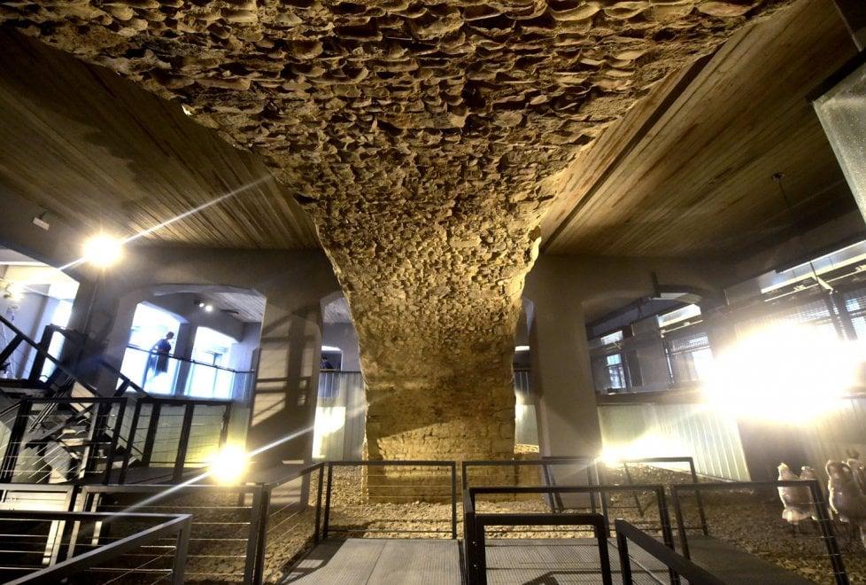 Ponte Romano, ultimi ritocchi prima del taglio del nastro - Foto