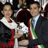 """""""San Suu Kyi, Comune valuti revoca della cittadinanza"""""""