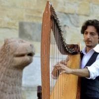 Verdi Off: concerto d'arpe in piazza Duomo - Foto