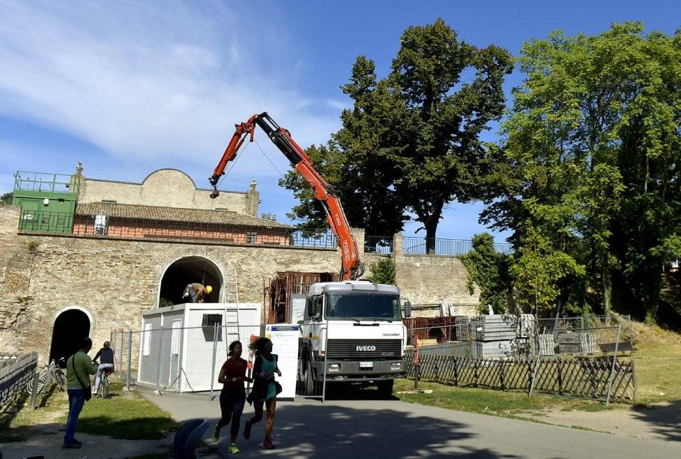 Parma, iniziato il restauro dell'ingresso principale della Cittadella