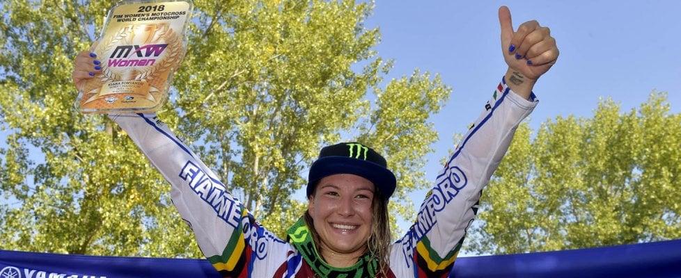 """""""Kiara sei mitica"""": Fontanesi vince il sesto mondiale di motocross"""