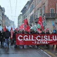Sindacati: Parmalat fa causa agli operai esclusi dal turno di notte