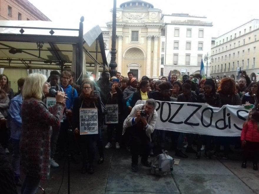Parma, manifestazione contro il decreto Salvini - Foto ...