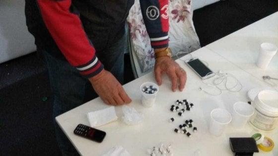 Parma, presiede onlus contro la droga ma in casa gli trovano etti di coca