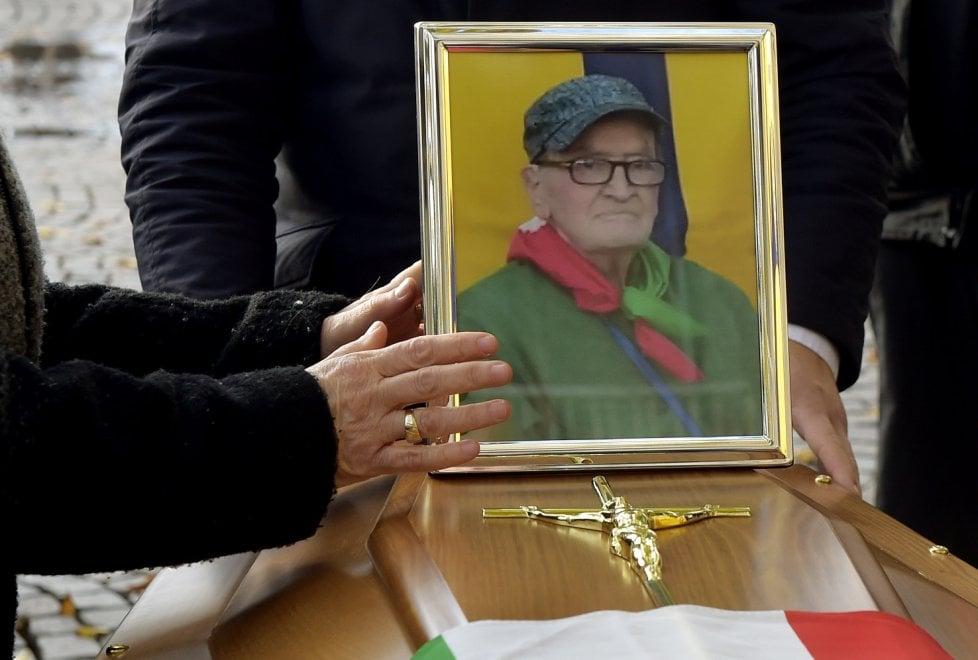 """""""Buon viaggio grande Soemo"""": Parma saluta il partigiano Russia - Foto"""
