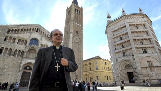 """Parma, vescovo Solmi: """"Giovani che emigrano, altri a cui è negata la permanenza"""""""