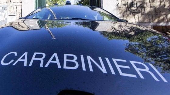 Parmense, inquilino punta il fucile verso i carabinieri durante uno sfratto