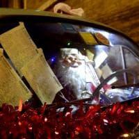 Parma, Babbo Natale multato per divieto di sosta - Foto