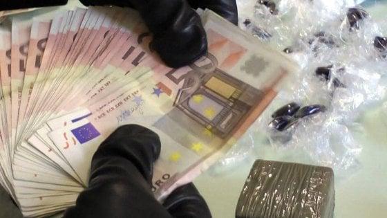 Sequestrato e seviziato a Parma per una partita di droga: tre arresti
