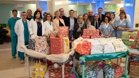 Santa Lucia, i doni ai piccoli pazienti dell'ospedale a Parma - Foto