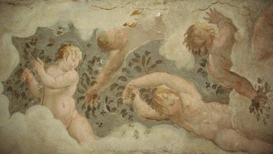 Scoperto un ciclo di affreschi nel sottotetto di palazzo Ducale di Parma