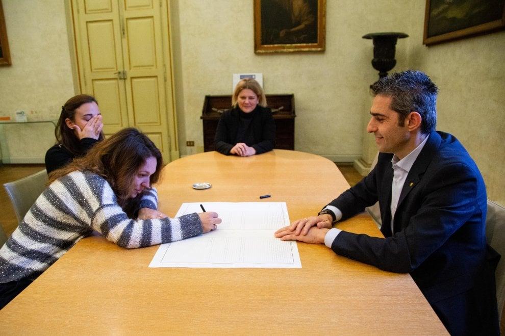 Parma, riconosciuti i figli di quattro coppie omogenitoriali - Foto