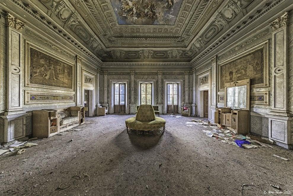 Istantanee su un mondo abbandonato di Arcari e Piazza - Foto