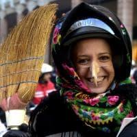 Parma, la befana è motorizzata: migliaia in piazza per l'Epifania - Foto