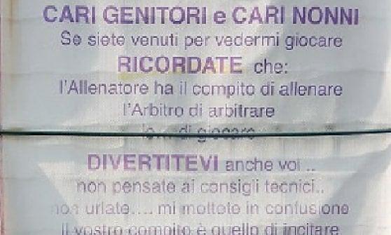 """Parma, il cartello dei piccoli calciatori: """"Non insultate, godetevi la partita"""""""