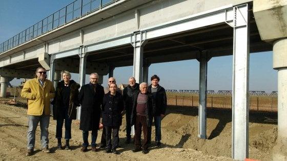 Ponte sul Po a Colorno: piazzate le fondazioni d'acciaio