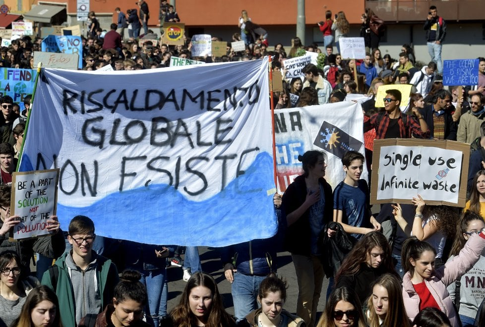 Fridays for future a Parma: volti, colori e cartelli dello sciopero per il clima - Foto