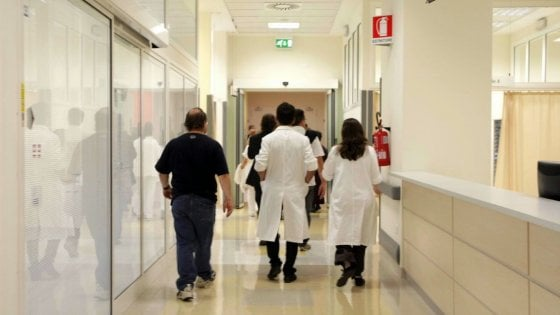 Emilia, ospedali a rischio: 600 medici in meno nei prossimi sei anni