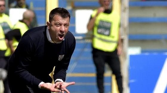 """Parma decimato a Frosinone. D'Aversa: """"Niente alibi. Sarà battaglia"""""""