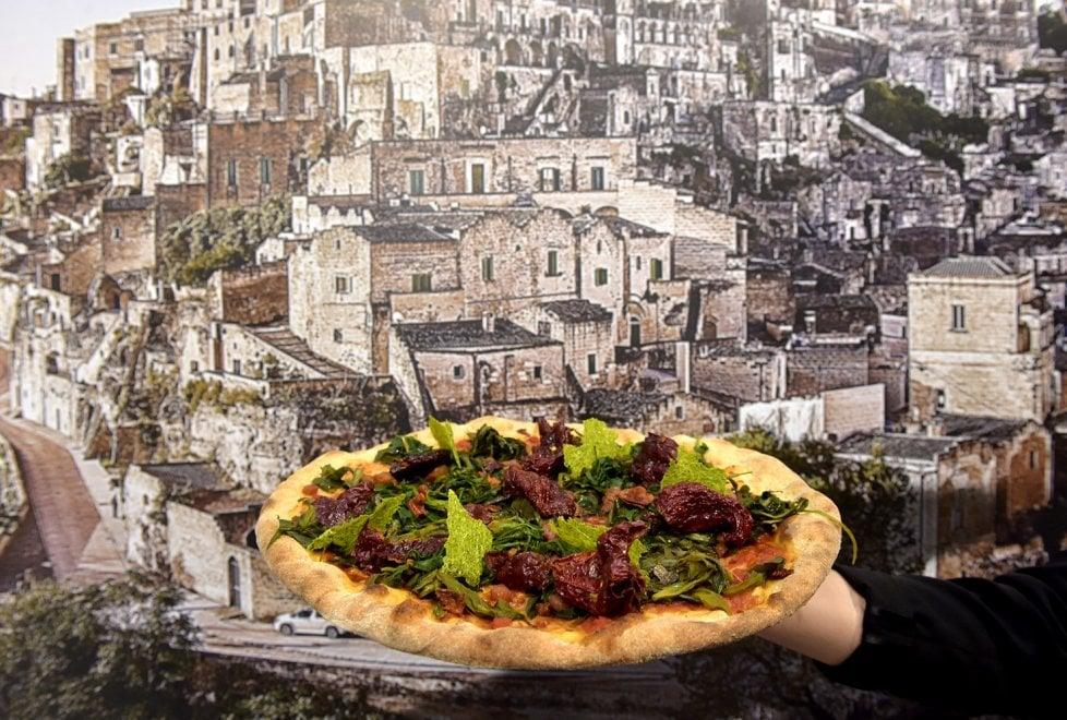 Una pizza per Matera: da Parma l'omaggio alla capitale europea della cultura