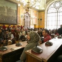 Parma, il mondo in municipio: attestati di cittadinanza a 160 famiglie - Foto