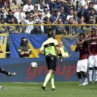 Alves, punizione capolavoro: il Parma strappa un punto al Milan