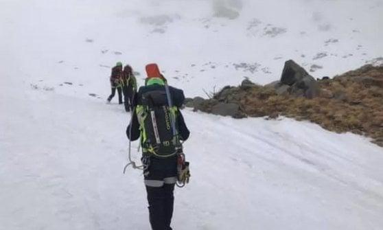 Recuperati gli escursionisti bloccati sul Cusna: uno è grave al Maggiore di Parma