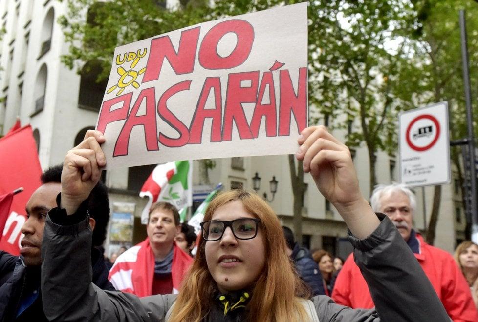 Forza Nuova a Parma: stazione blindata. Centinaia al presidio antifascista - Foto