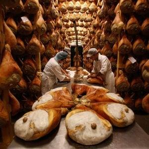 """Prosciutti Dop, Istituto Parma Qualità: """"Cosce di maiale non conformi mai riceveranno il marchio"""""""