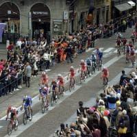 Parma, passa il Giro d'Italia: in testa c'è un reggiano - Foto