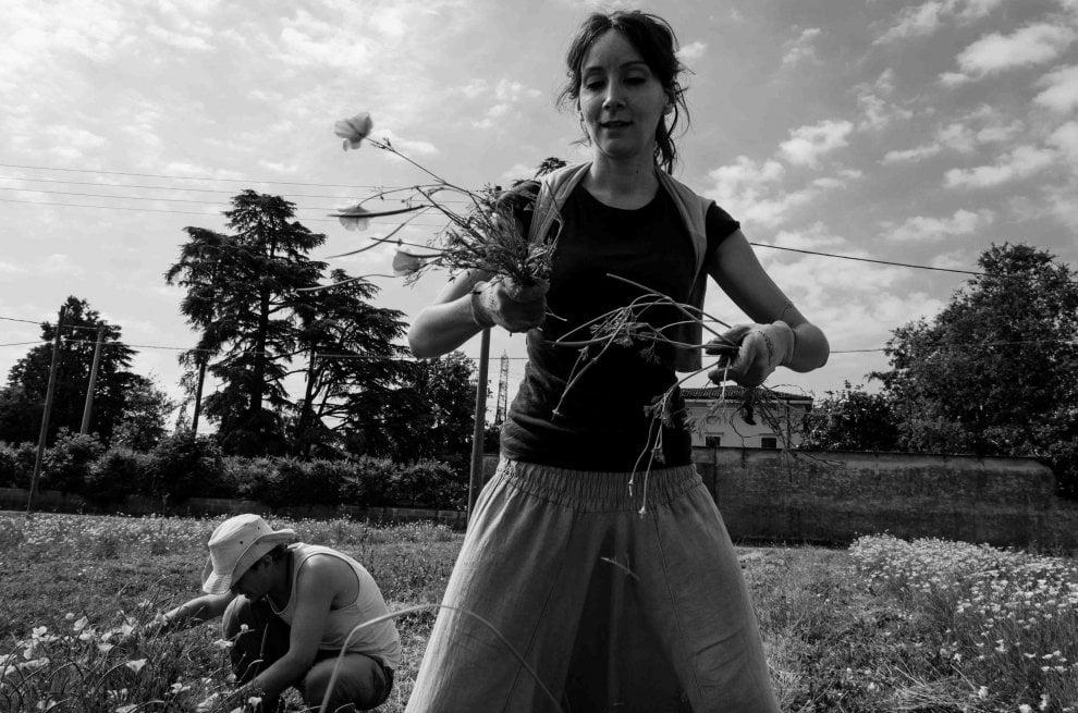 EnoLibreria Chourmo ospita la fotografia sociale di Ilaria Ghidini