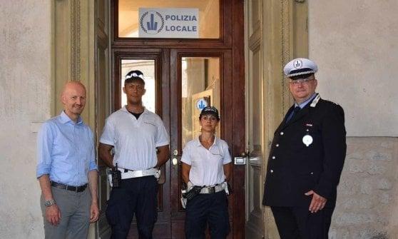 Parma, apre il presidio della municipale in piazza Garibaldi: sarà la sede degli agenti in bici