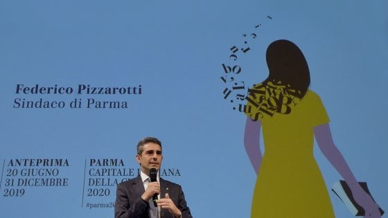 """La """"ragazza in giallo"""" porta Parma nel 2020 ma la Lega attacca: """"Solo medaglie mediatiche"""""""