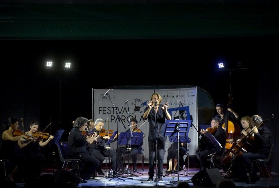 Festival della Parola: chiude l'omaggio musicale di Giulio Casale a Gaber - Foto