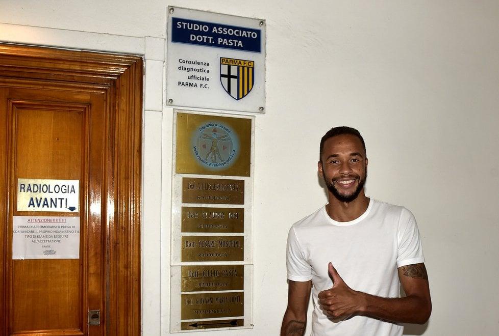 Il Parma dà il benvenuto a Hernani - Foto