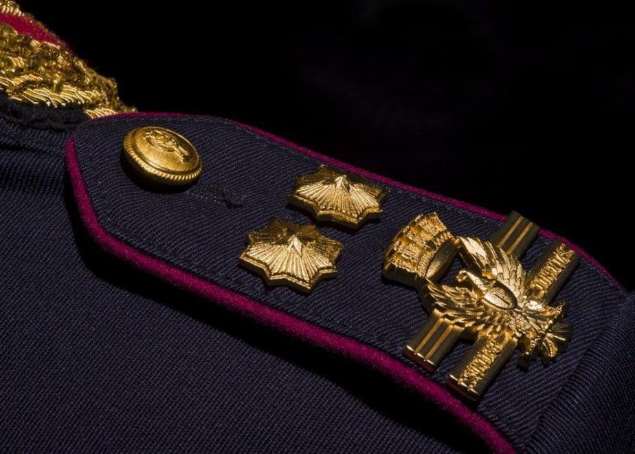La polizia cambia look: simboli araldici e aquila rivisitata sulle divise