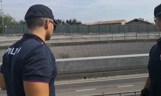 Parma, senza lavoro tenta il suicidio: ragazzo salvato dalla polizia