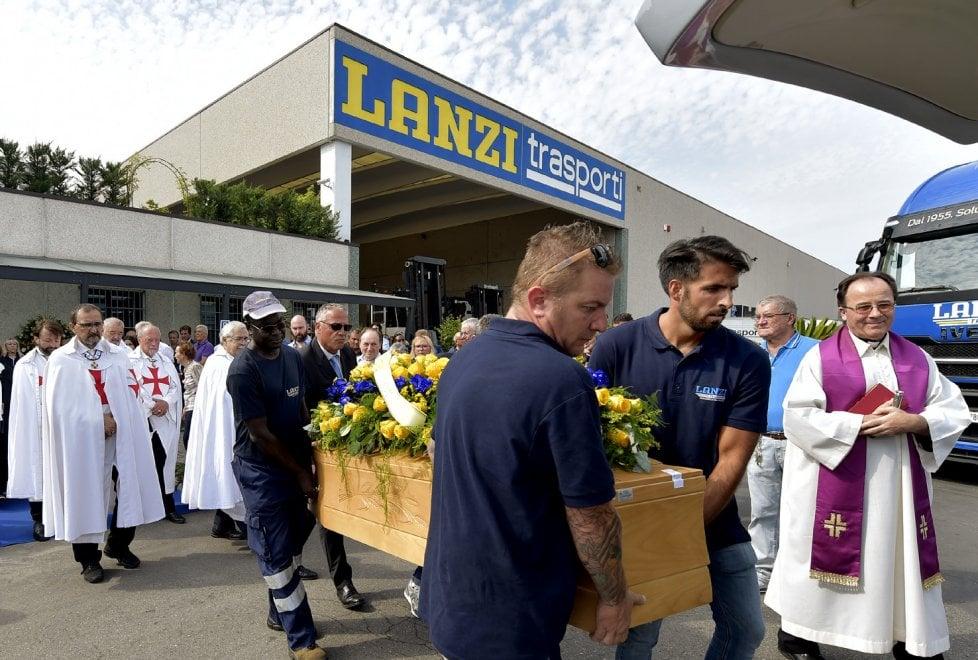Parma, l'ultimo saluto a Egidio Lanzi - Foto