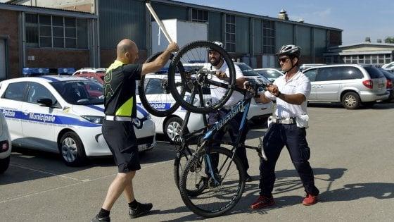 Polizia locale, la sicurezza sale in bici: nuovi agenti arruolati