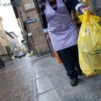 Parma, il 50% della plastica differenziata finisce nell'inceneritore