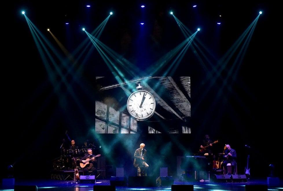Il concerto di Vecchioni al Regio di Parma: guarda chi c'era - Foto
