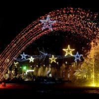 Parma, il fascino delle luci di Natale avvolge la città - Foto