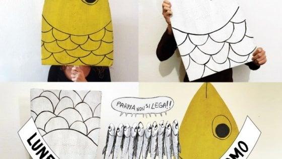 """Le tre """"sardine"""" di Parma: """"Un'idea nata a scuola. Diciamo basta alle parole d'odio"""""""