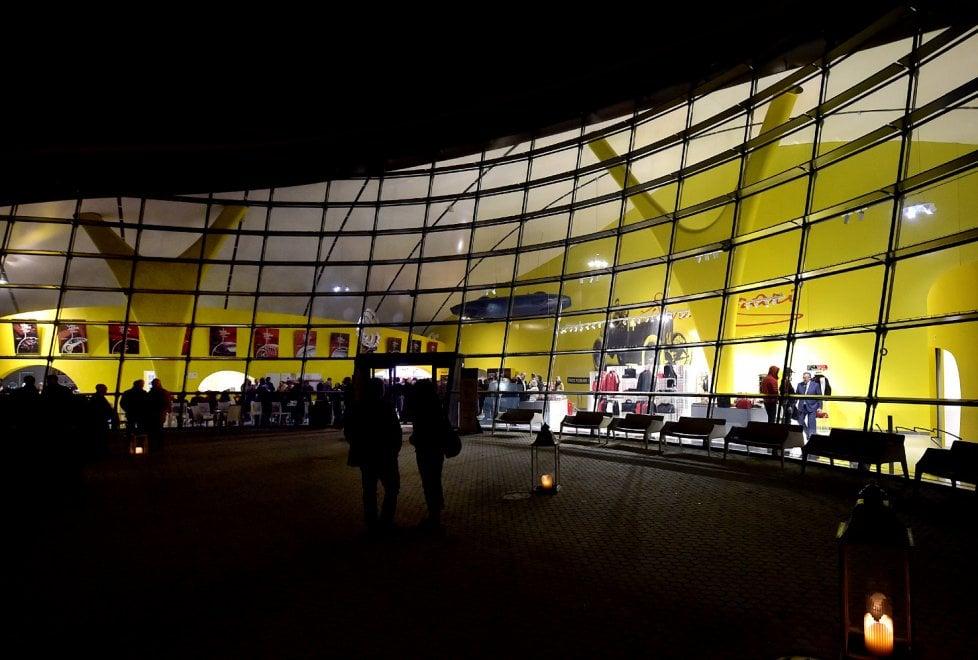 Parmigiano Reggiano e Ferrari: l'incontro è servito - Foto